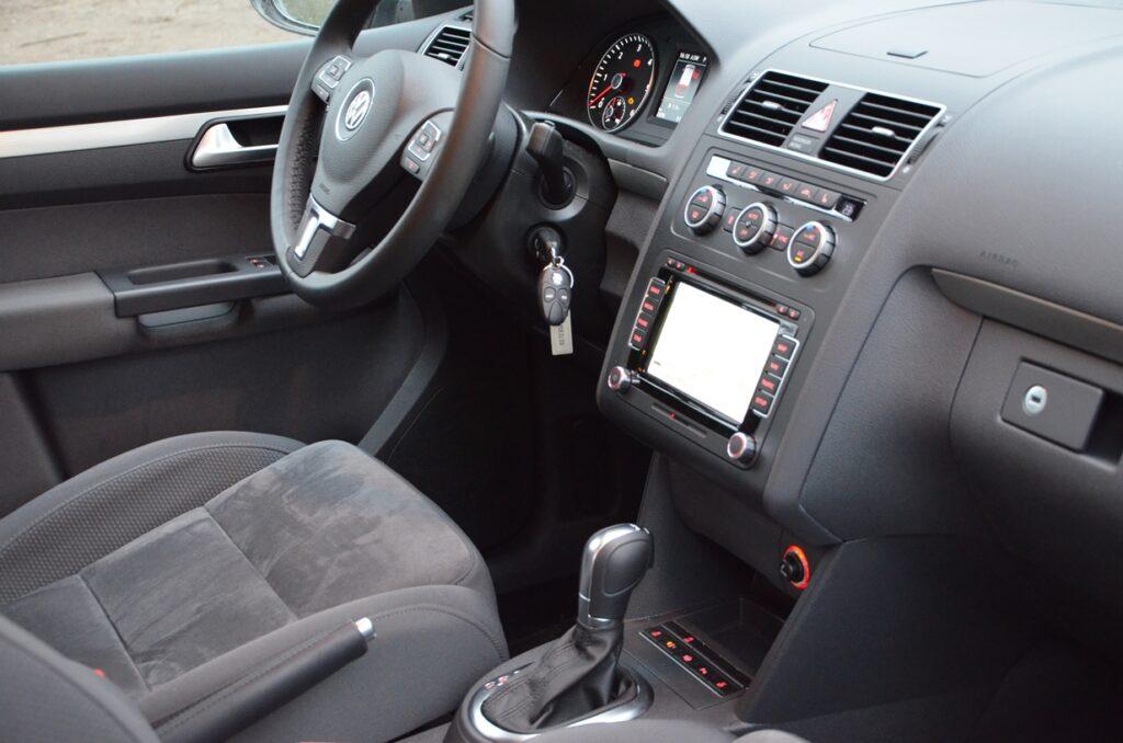 VW Touran TDI (2015) Fahrersitz