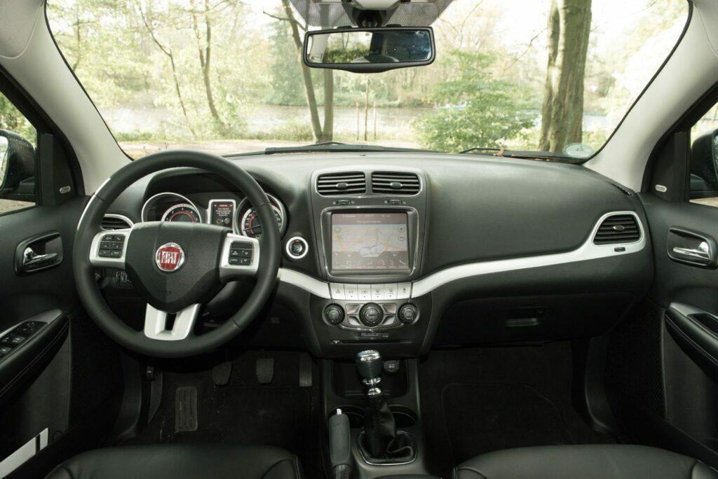 Fiat Freemont 2.0 (2013) Cockpit