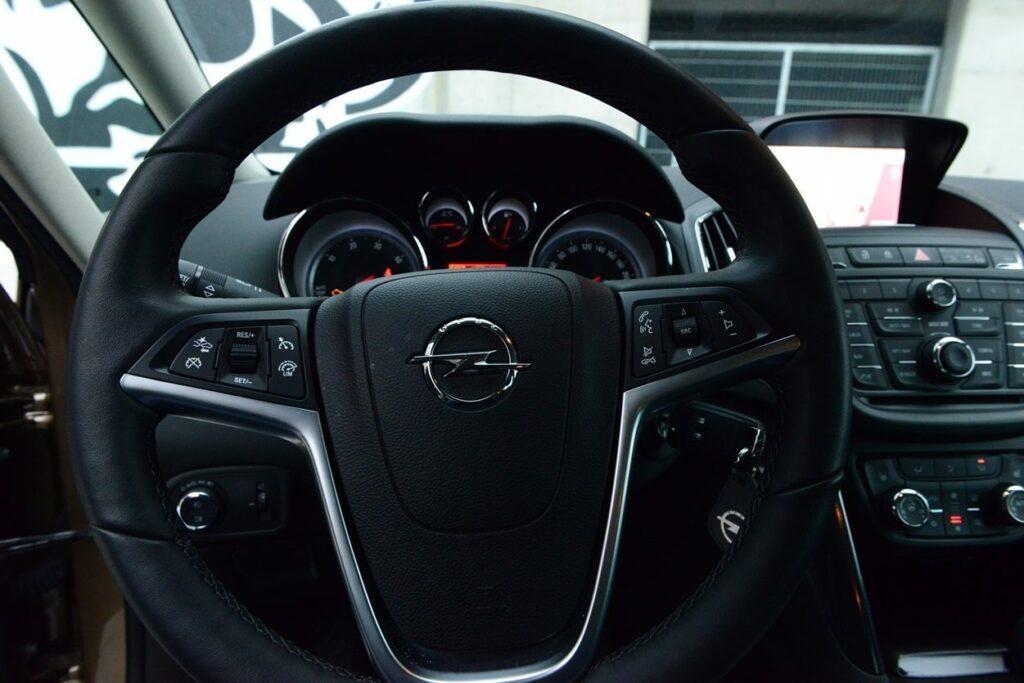Opel Zafira Tourer (2014) Lenkrad