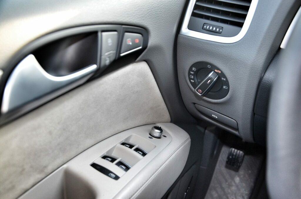 Audi Q7 3.0 TDI (2014) Türinnenansicht