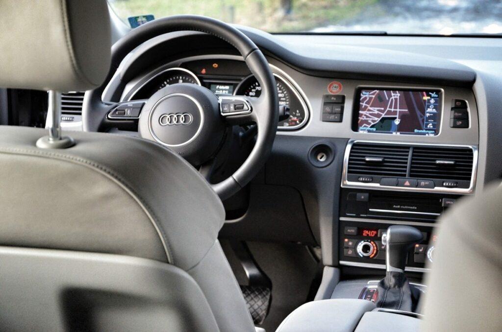 Audi Q7 3.0 TDI (2014) Cockpit