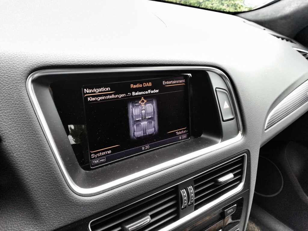 Audi SQ5 (2013) Navi