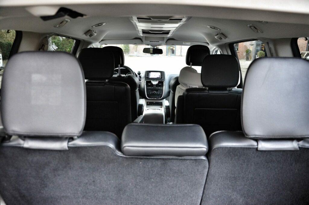 Lancia Voyager Platinum (2014) Innenraum