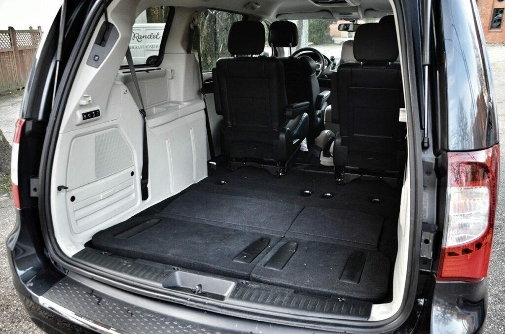 Lancia Voyager Platinum (2014) Kofferraum leer