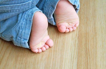 Eltern brauchen Beratung beim Kauf von Kinderschuhen