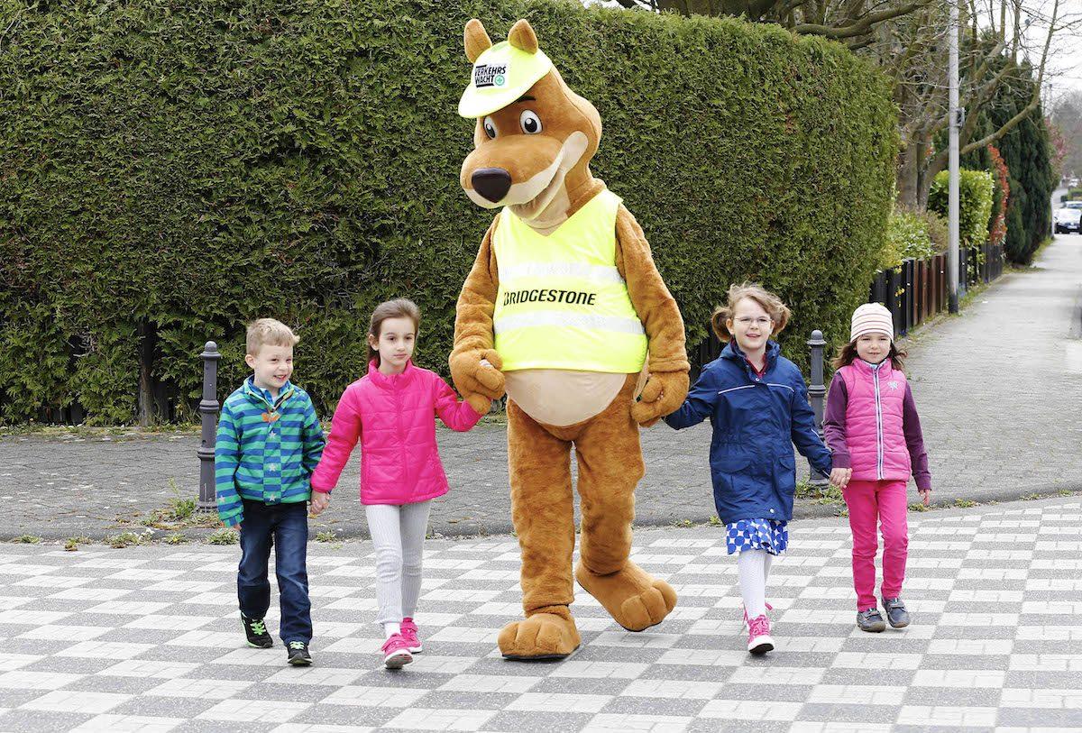 Gefahren auf dem Schulweg Kinder ueben bereits im Vorschulalter
