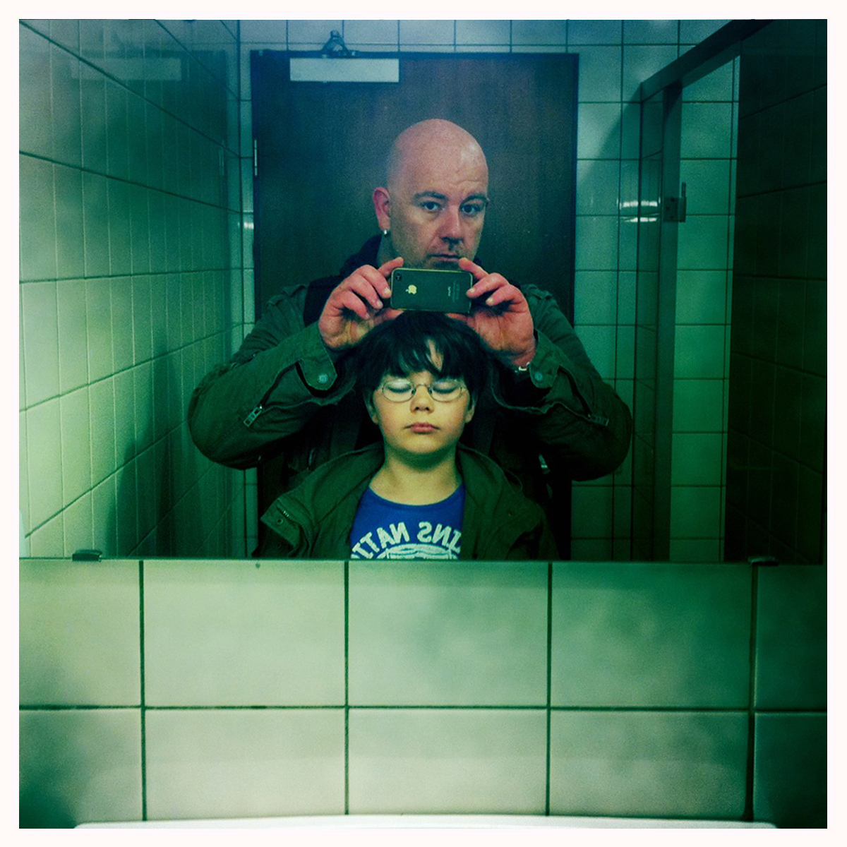 Stefan Alt und Julius im Bad