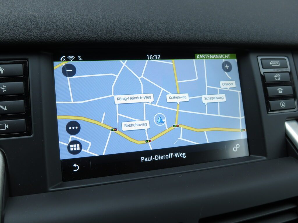 Land Rover Discovery Sport (2016) Navigation