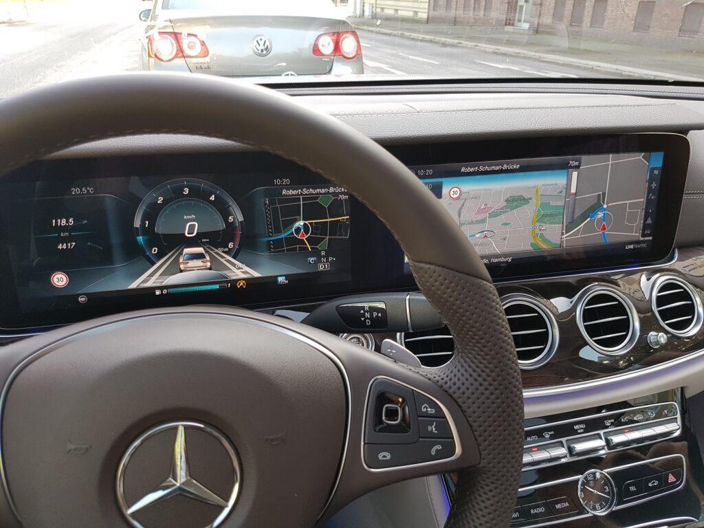mercedes-benz-e-klasse-t-modell-2016-cockpit