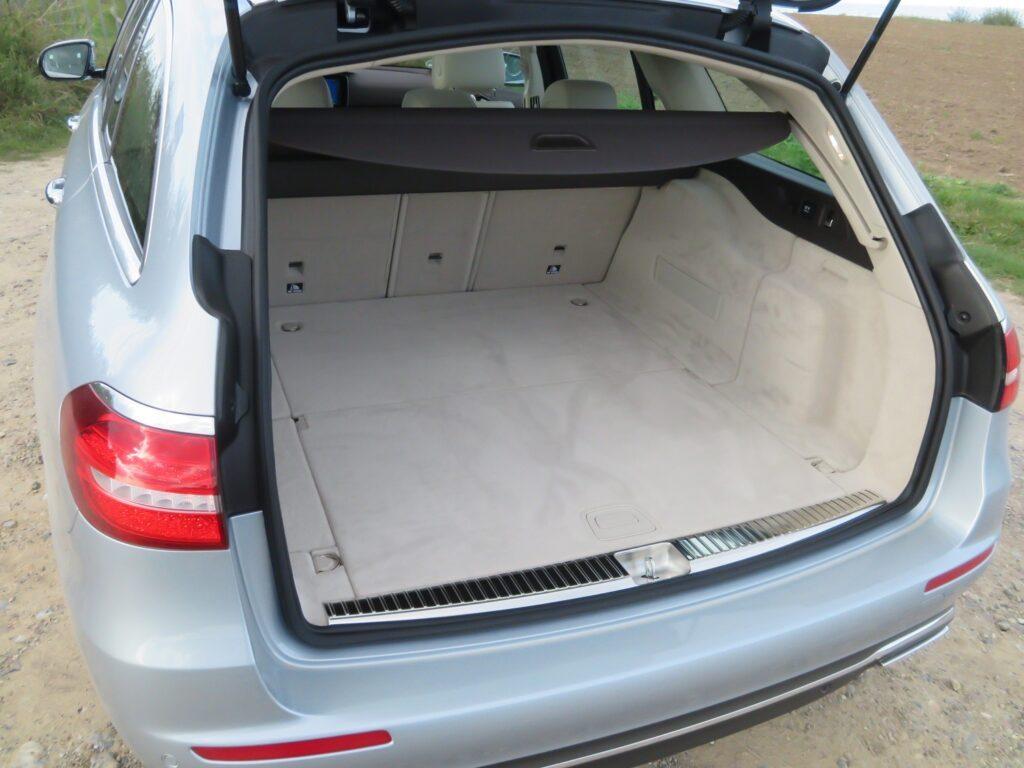 mercedes-benz-e-klasse-t-modell-2016-kofferraum