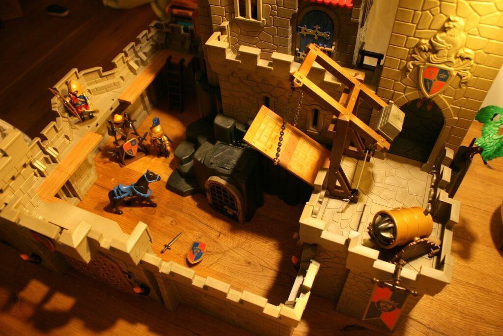 Playmobil Daddylicious Castle Birdeye