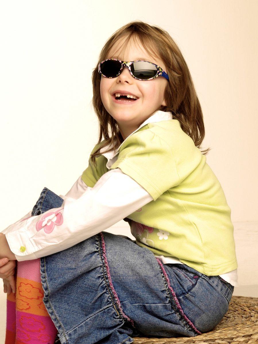 Brauchen Kinder eine Sonnenbrille