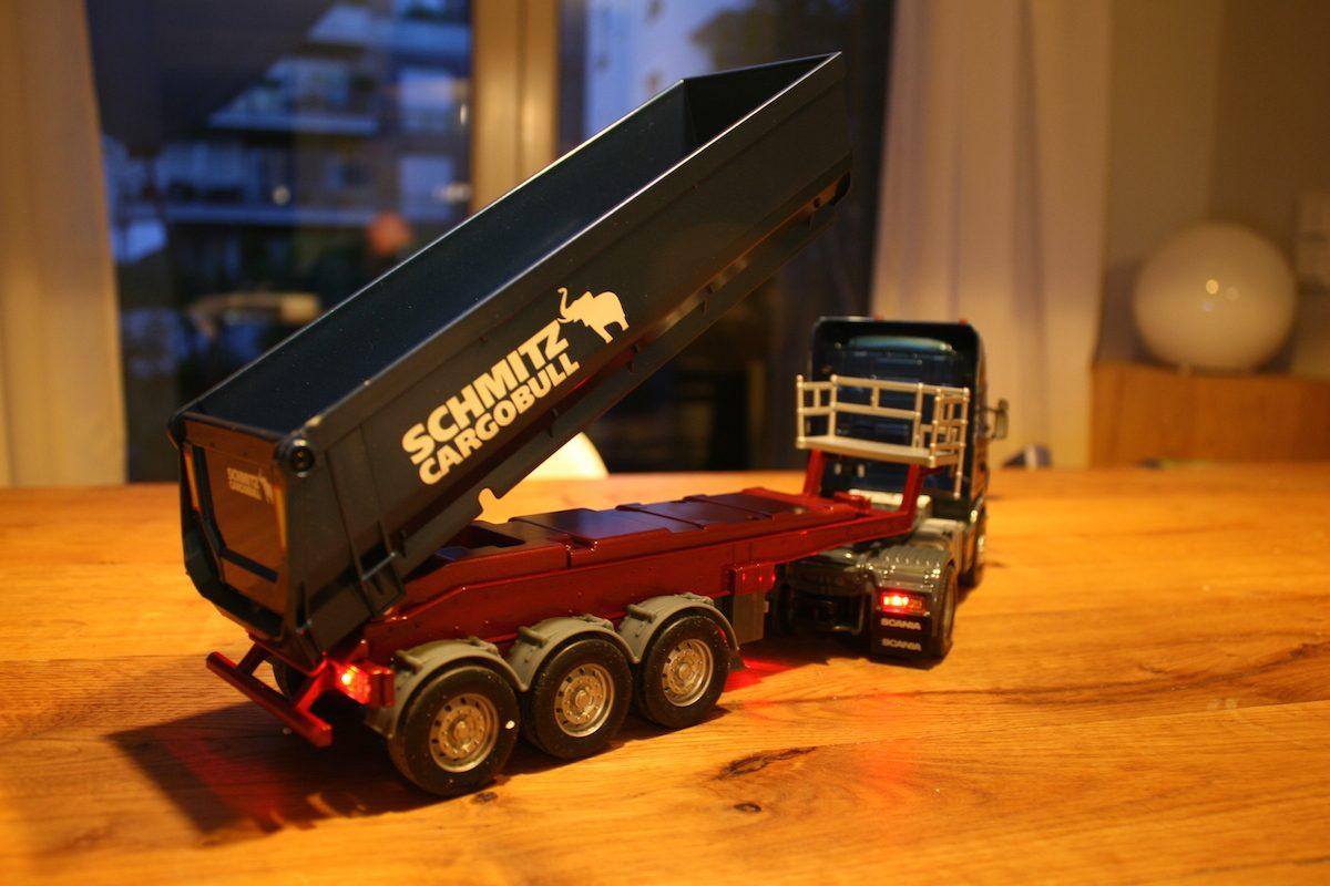 SIKU Control32 Scania R620 mit Sattelauflieger