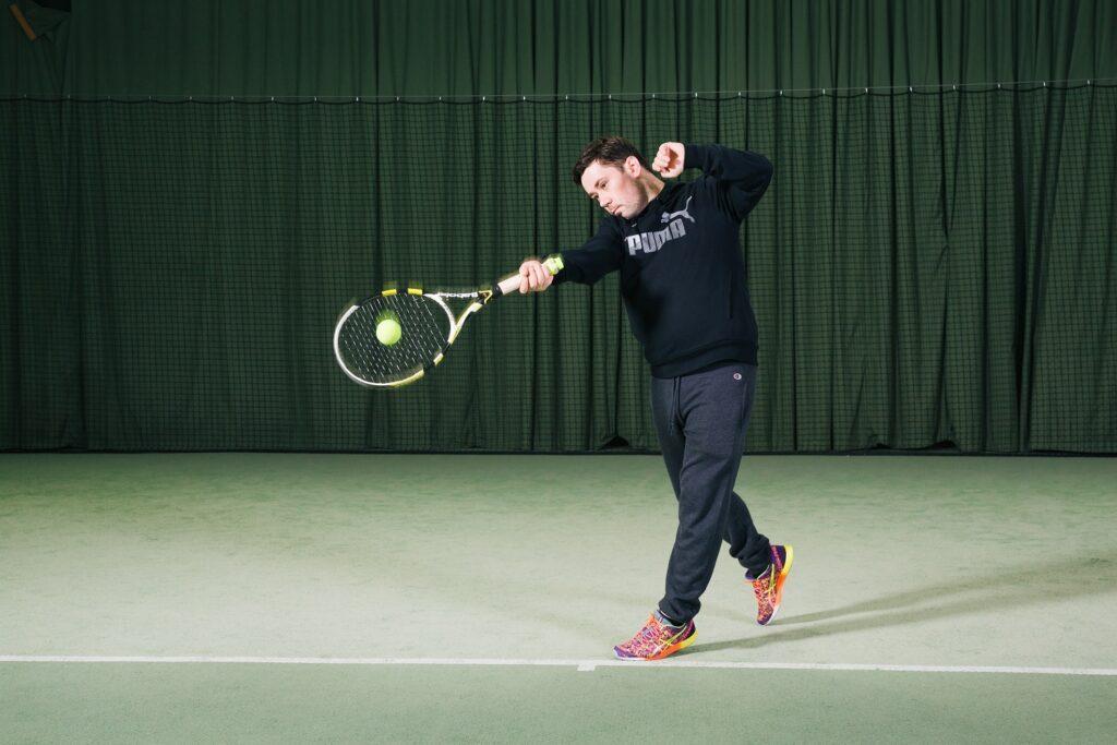 Rob Vegas testet, wie smart das Zapp Tennis Kit ist