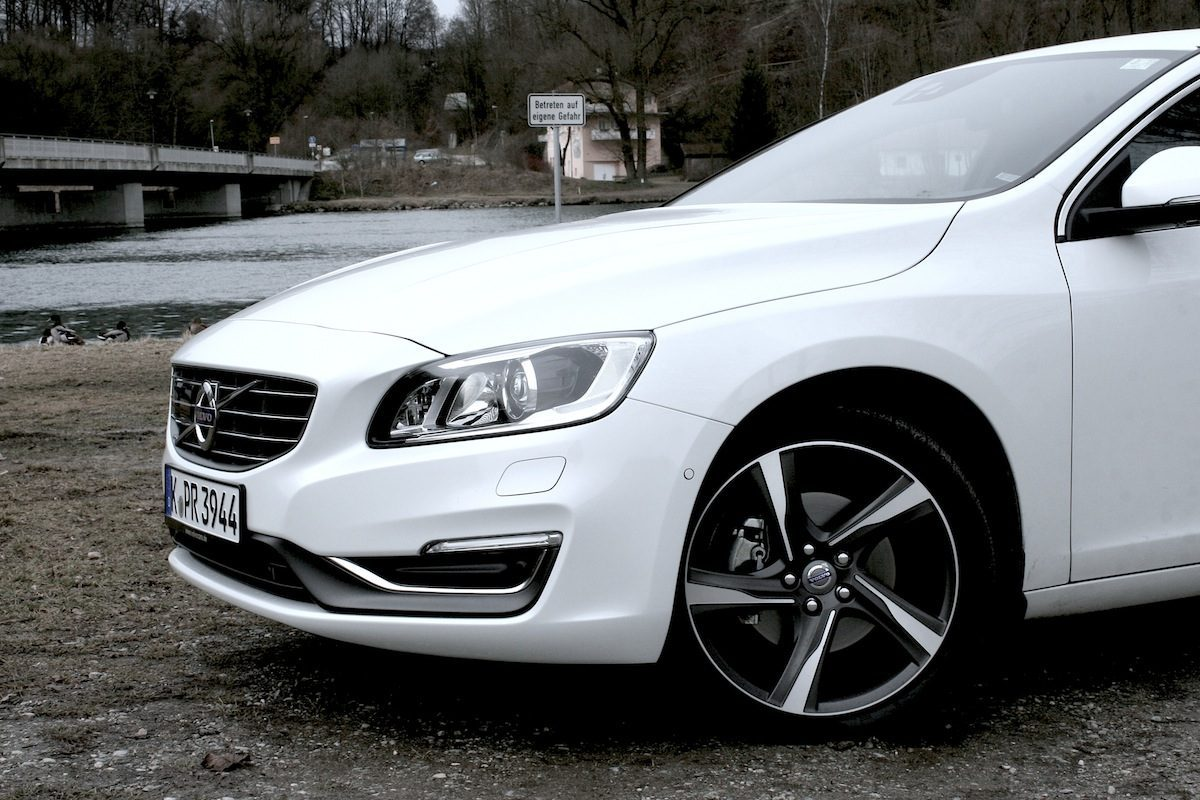 Volvo V60 D4 Geartronic Front