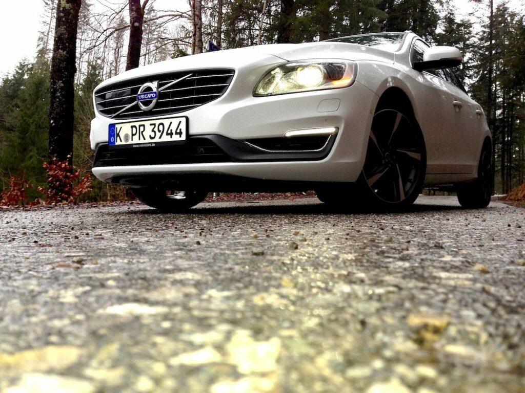 Volvo V60 D4 (2014) Front