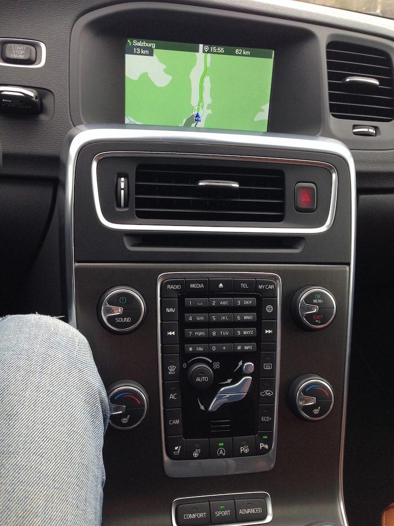 Volvo V60 D4 Geartronic Mittelkonsole