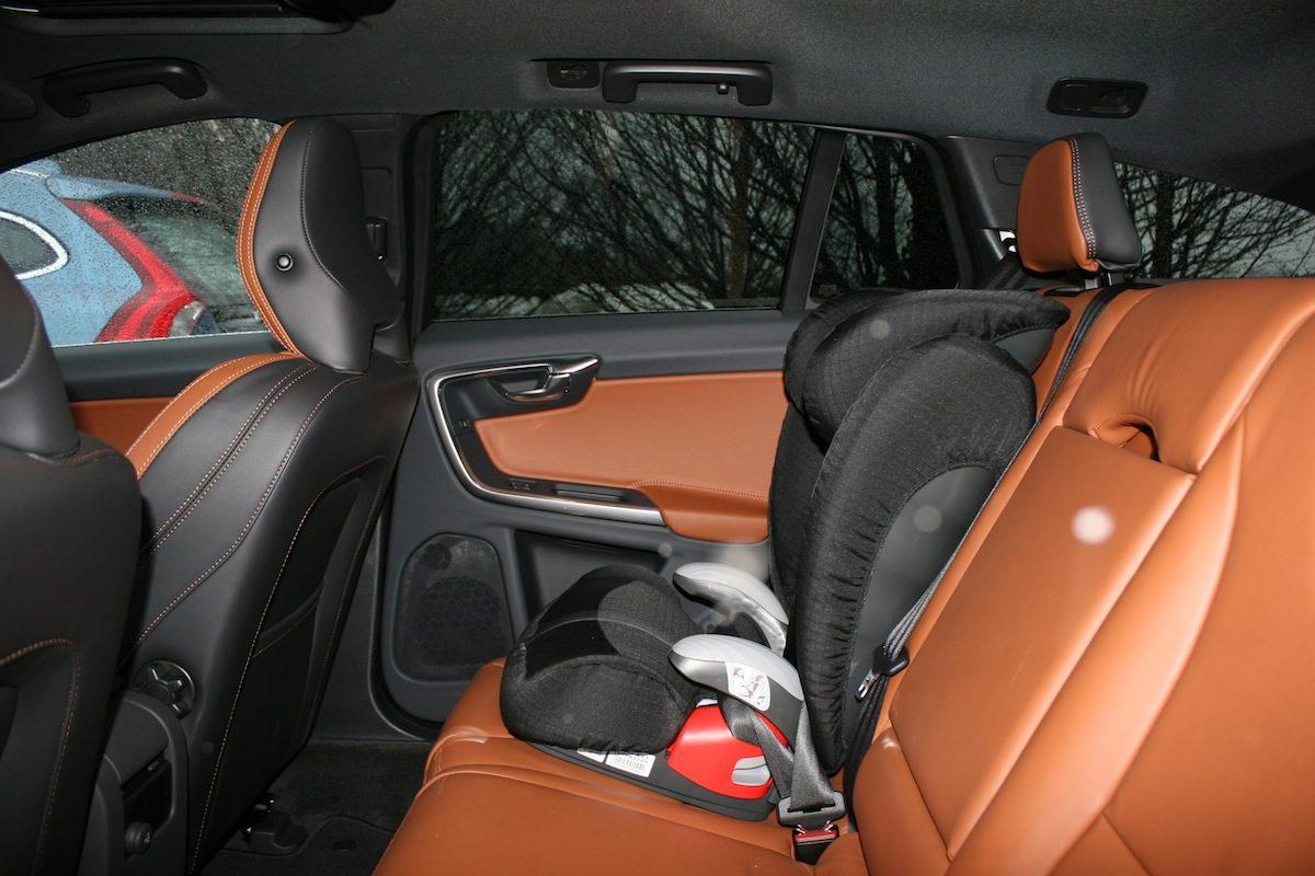 Volvo V60 D4 Geartronic Position Kindersitz