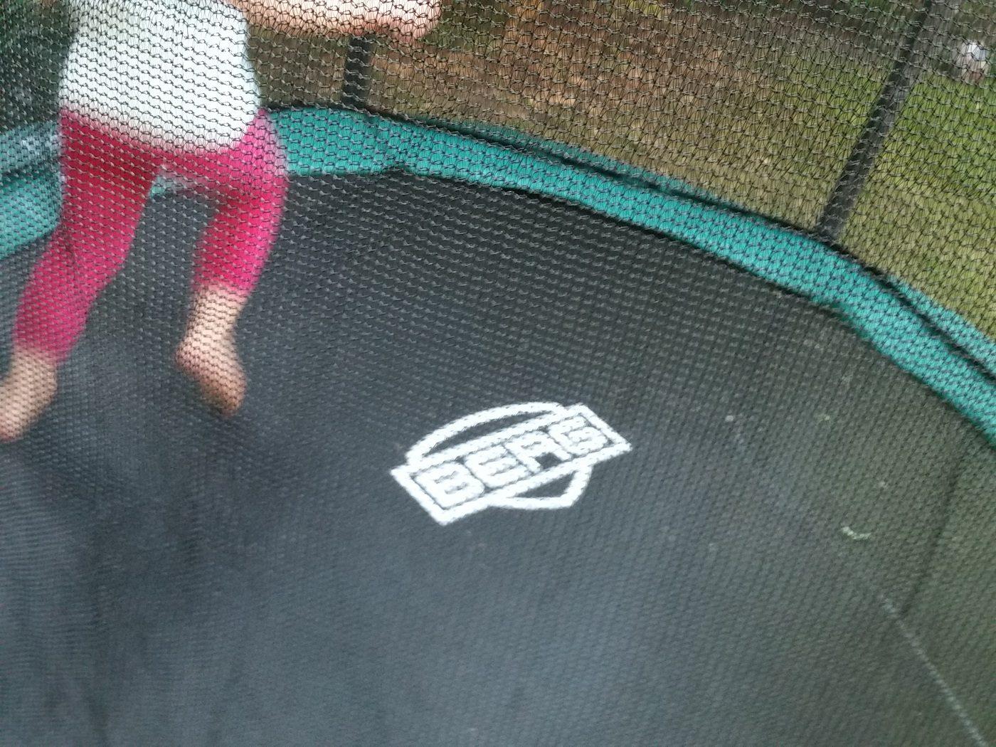 berg trampolin springen